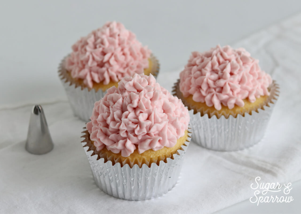 hydrangea cupcakes by Sugar and Sparrow
