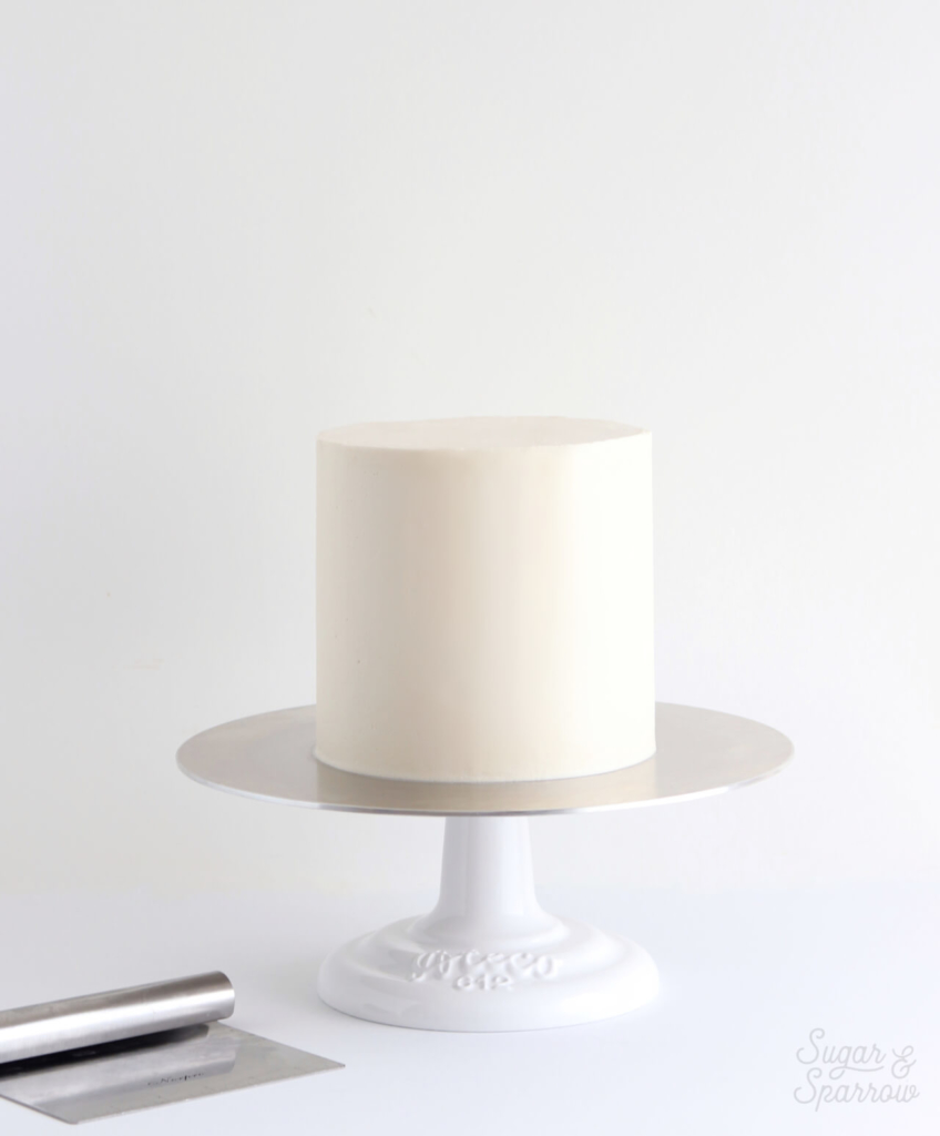 how to frost a cake with smooth buttercream frosting
