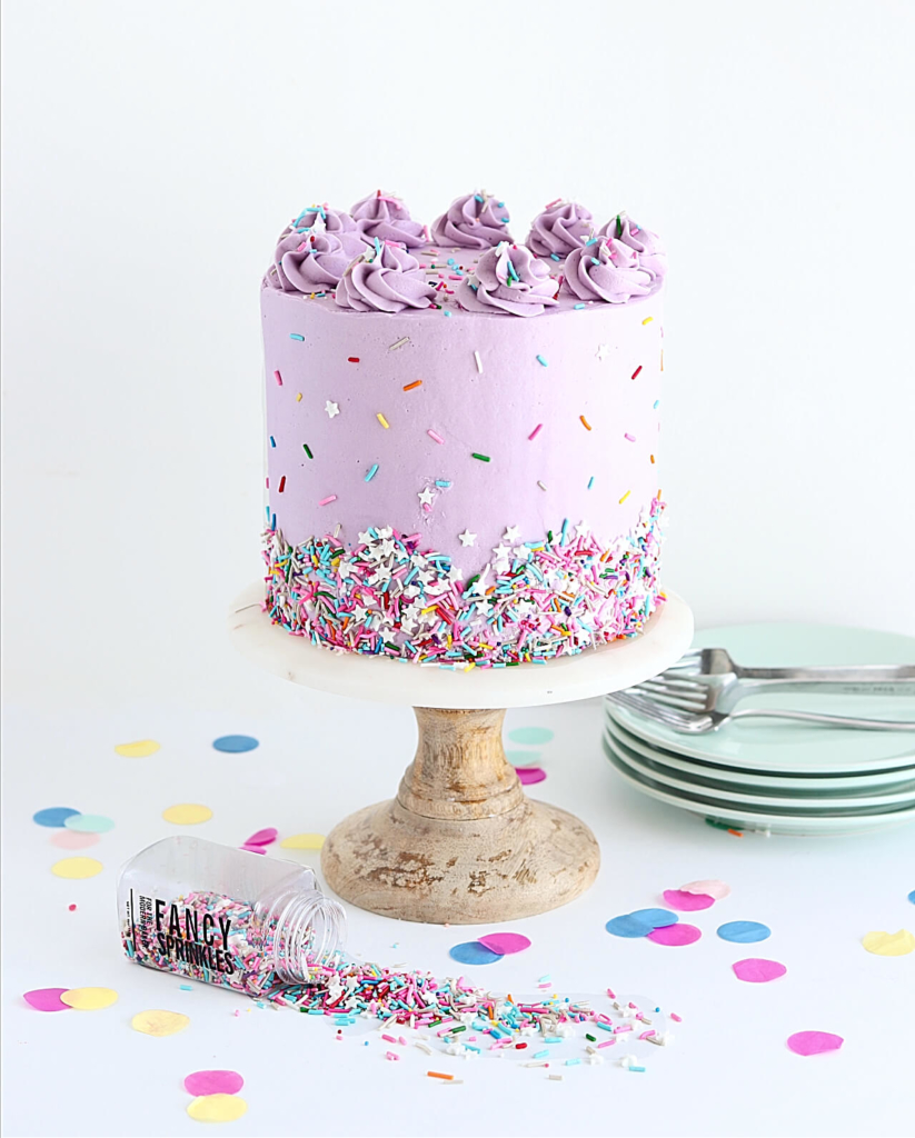 how to decorate a cake with sprinkles