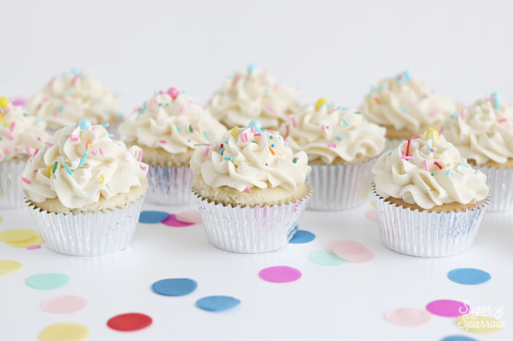 vanilla cupcakes with vanilla buttercream recipe