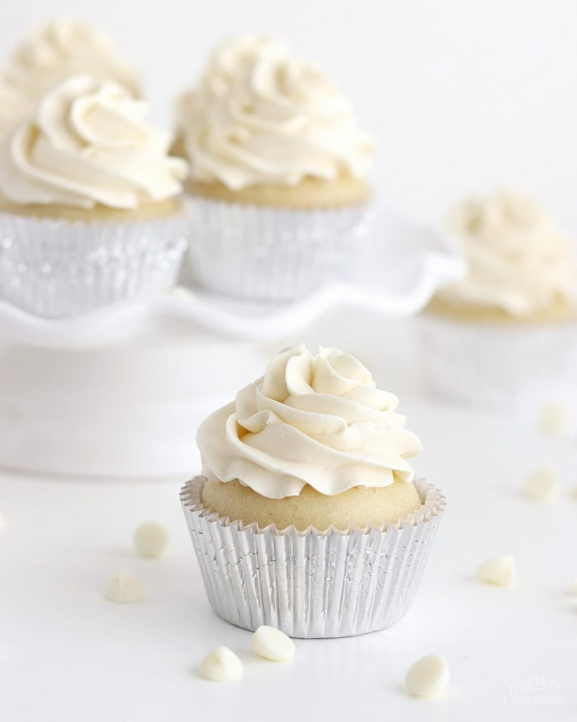 white chocolate buttercream cupcakes