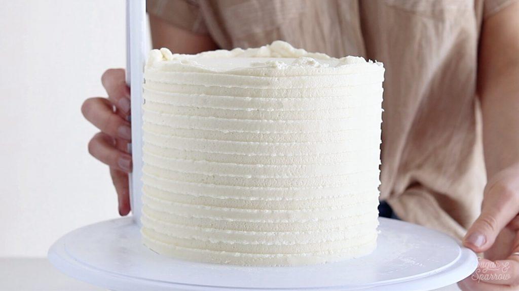 buttercream stripes cake tutorial
