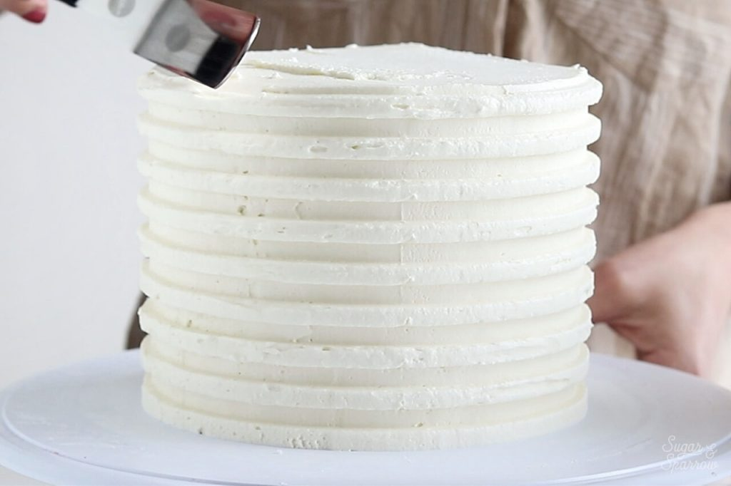 how to make a combed buttercream cake