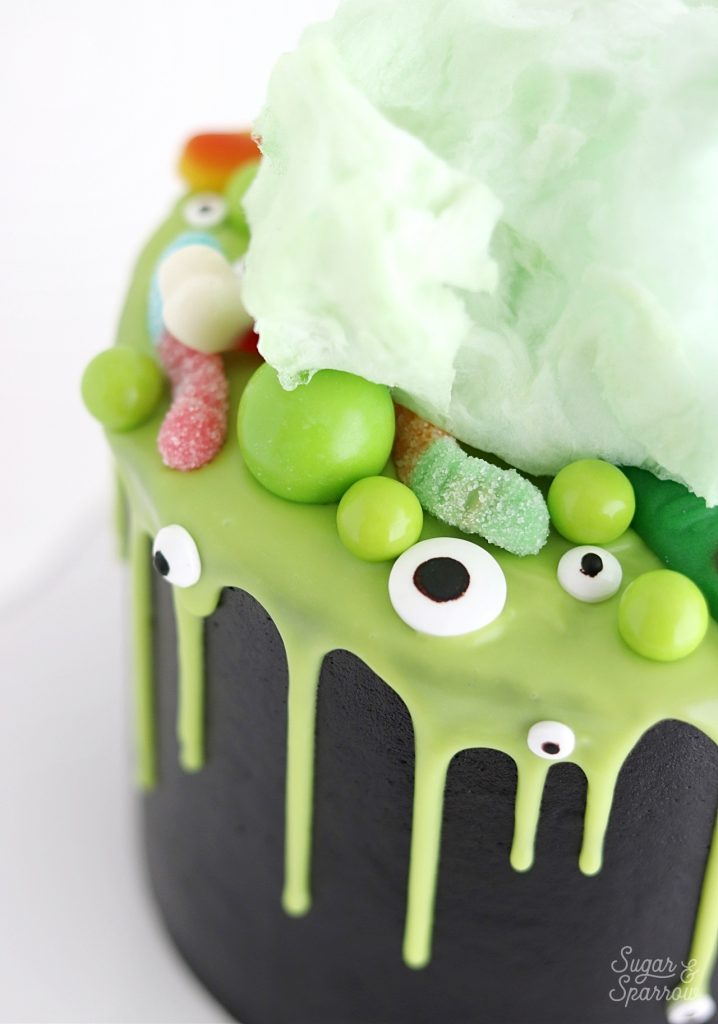 Witch brew Halloween cake by sugar and sparrow