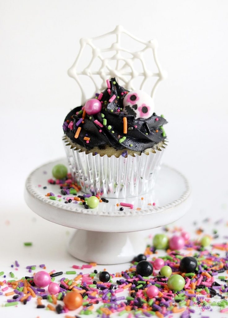 Halloween cupcakes by Sugar and Sparrow