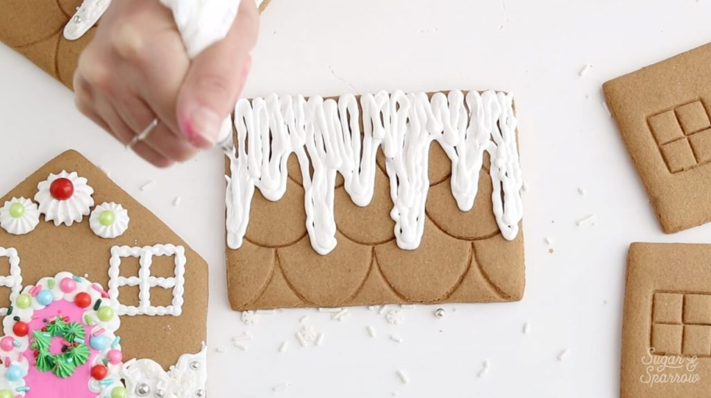 how to decorate gingerbread house