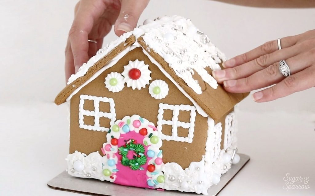 how to add roof to gingerbread house