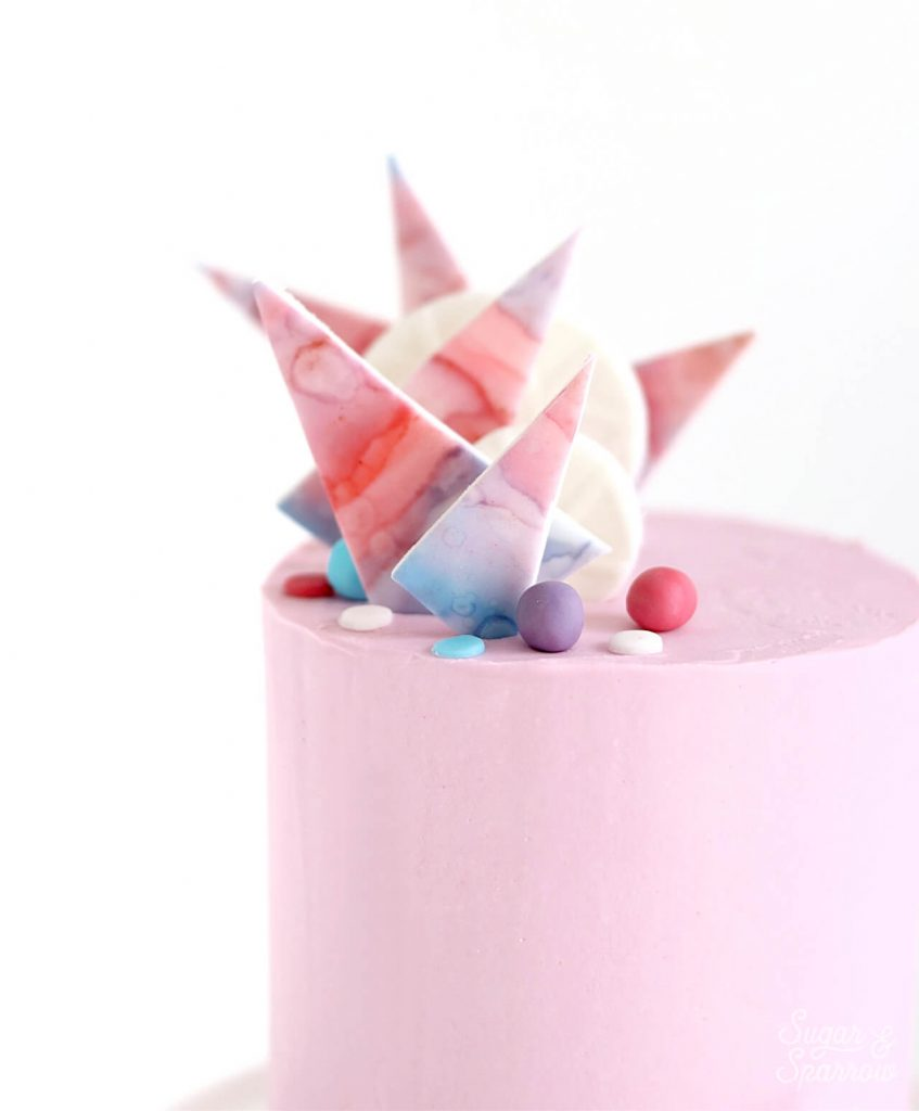 how to make fondant decorations for buttercream cakes