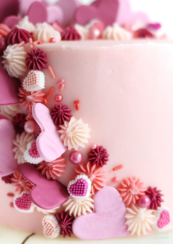 valentines day cake with fondant hearts