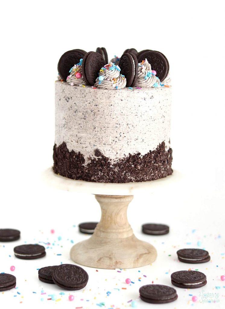 vegan chocolate oreo cookies and cream cake