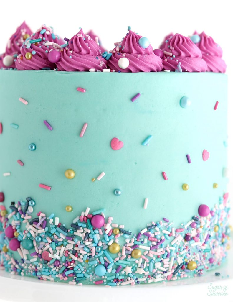 how to place sprinkles on cake