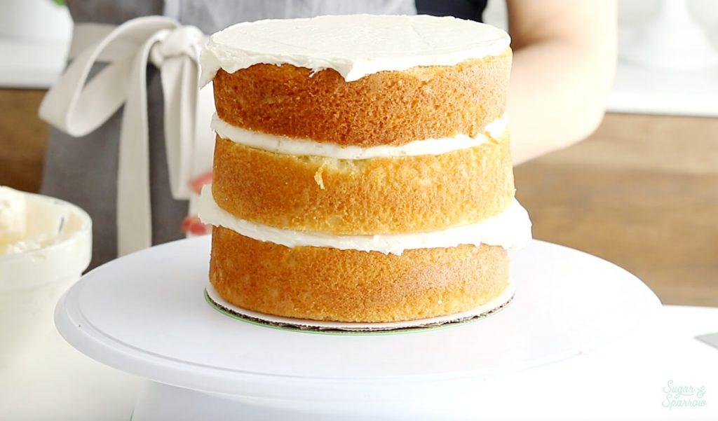 why crumb coat a cake