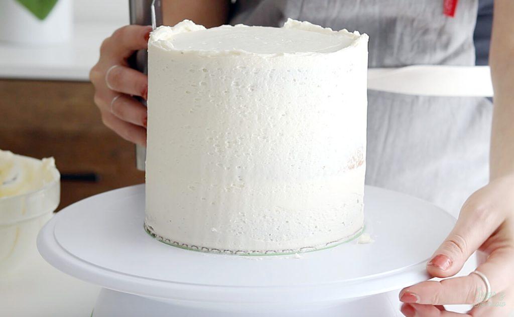 purpose of crumb coating a cake