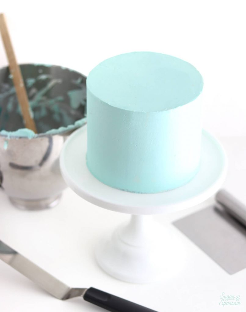 how to ice a cake with buttercream frosting
