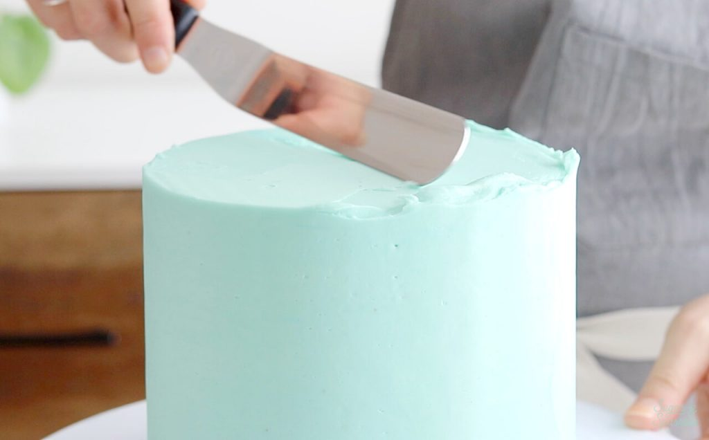 smooth buttercream cake tutorial