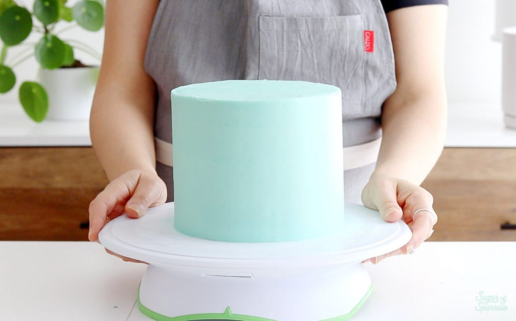 buttercream cake decorating tips by Sugar and Sparrow