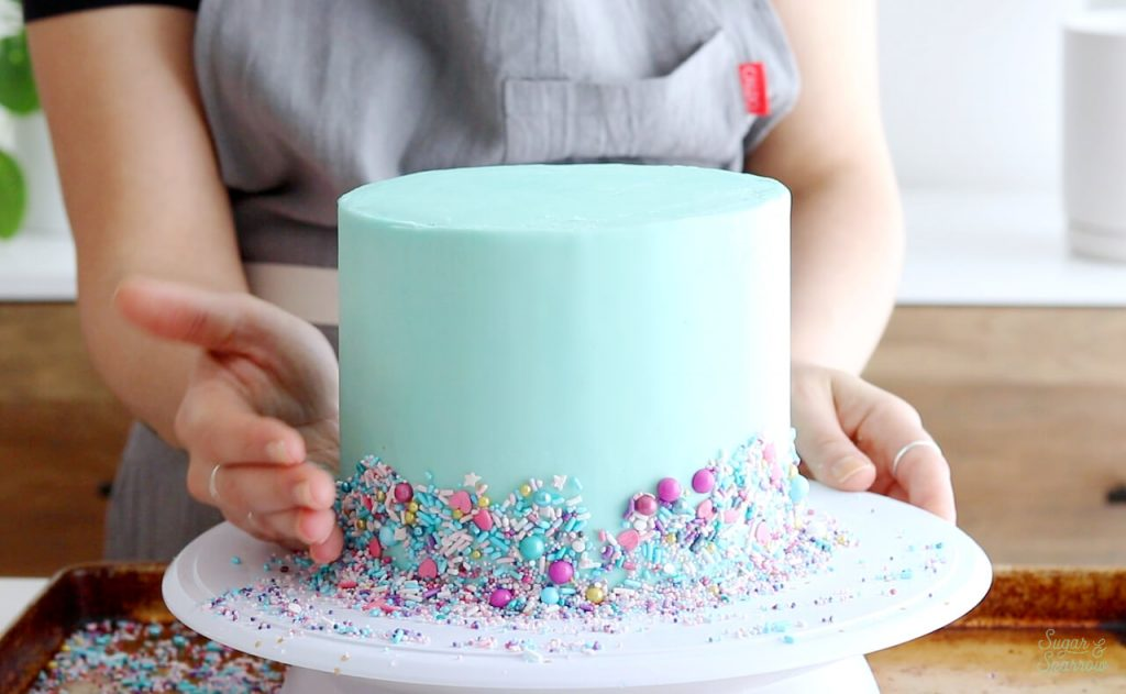 how to place sprinkles on buttercream cake
