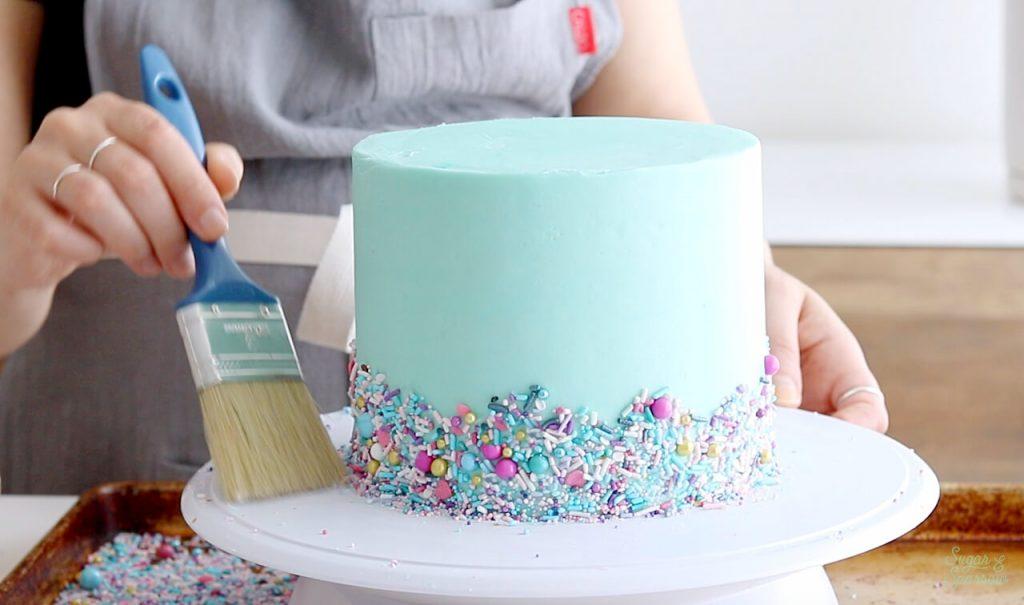 adding sprinkles to cake tutorial