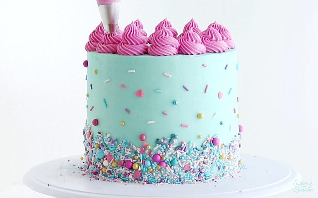 wilton tip 4b swirls on cake