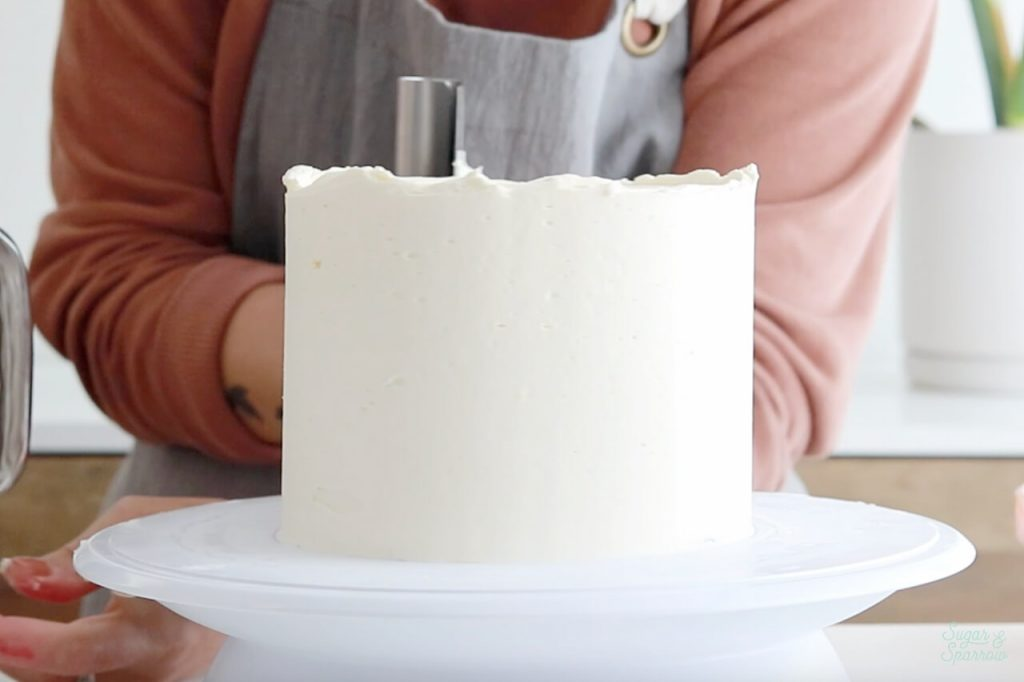 how to frost a cake with smooth buttercream