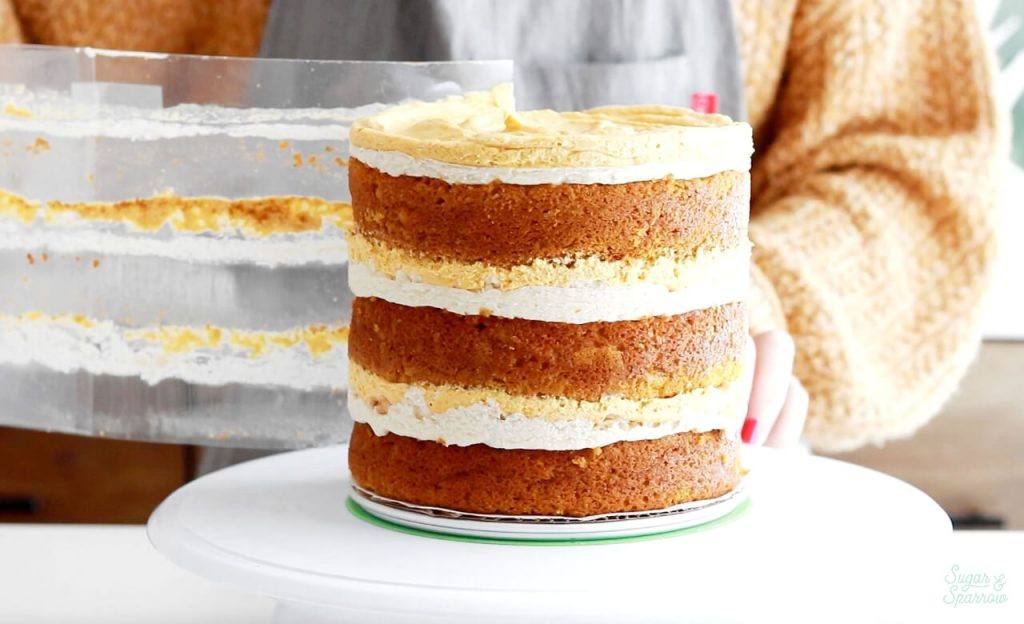 removing acetate from sides of cake