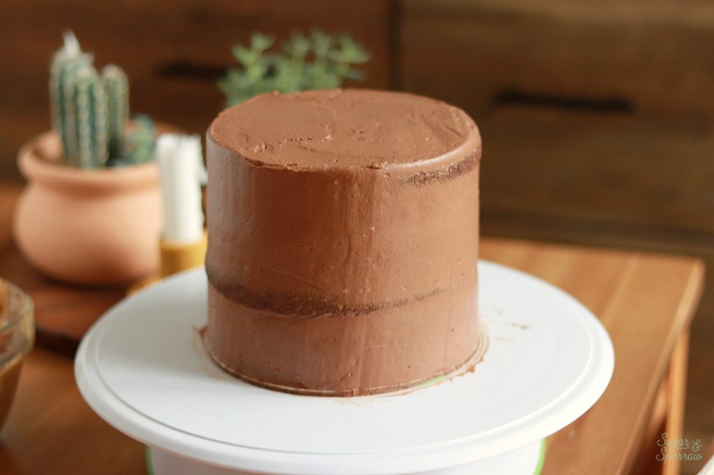 how to frost a semi naked chocolate cake